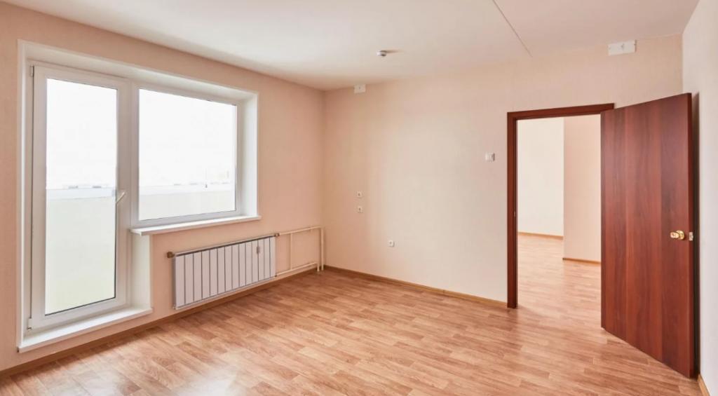 осмотр дверей и окон при приеме квартиры